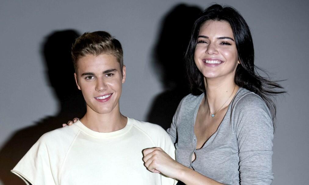 <strong>KRITISERES:</strong> Justin Bieber og Kendall Jenner er gode venner, og har vært det i en årrekke. Nå kritiseres de begge for å opptre ufølsomt i den store krisen verden nå er inne i. Foto: NTB scanpix