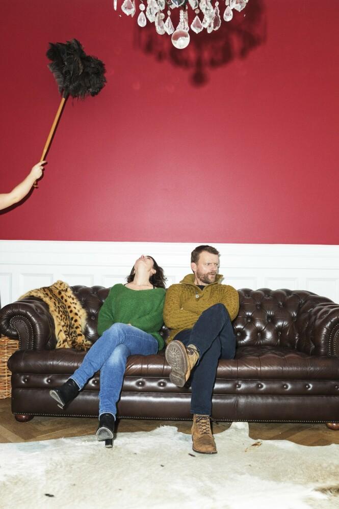 Mia og Frank mimrer om diverse nakenscener de har spilt inn sammen. – Det var litt på grensen. Nei, det var over grensen, sier Mia og ler. FOTO: Ulrik Jantzen