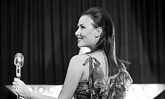 DET NYE LIVET: Julia Tsjepalova har byttet ut langrenn med dans. Foto: Privat