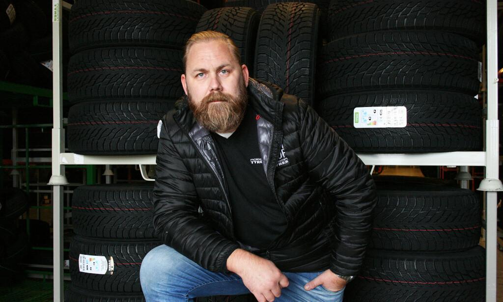 10-15 GRADER: Den beste temperaturen for lagring av dekk er 10-15 grader, sier produktsjef i Nokian Tyres, Kjetil Røssel. Foto: Nokian