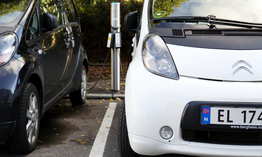 De med høyest inntekt kjøper oftest elbil framfor bil som går på fossilt brensel, viser tall fra Statistisk sentralbyrå. Foto: Erlend Aas / NTB scanpix
