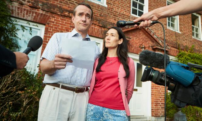 TV-DRAMA: Skuespillerne Matthew Macfadyen i rollen som Charles Ingram, samt Sian Clifford i rollen som Diana Ingram. Foto: NTB Scanpix