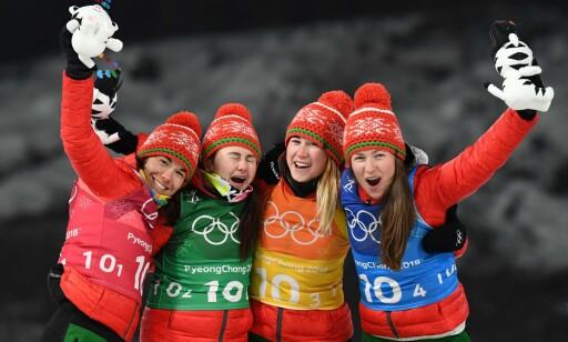 NORMAL HVERDAG: Hviterusserne trener som normalt, her representert ved kvartetten som vant stafettgull i skiskyting i Pyeongchang, Nadezhda Skardino, Iryna Kryuko, Dzinara Alimbekava og Darya Domracheva. Foto: AFP PHOTO / FRANCK FIFE