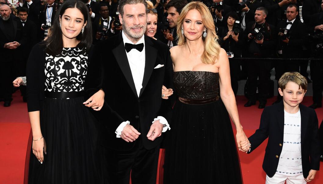 <strong>FAMILIELYKKE:</strong> Året etter at Jett gikk bort, kom Benjamin til verden. Her er hele familien avbildet i Cannes i 2018. Foto: NTB Scanpix