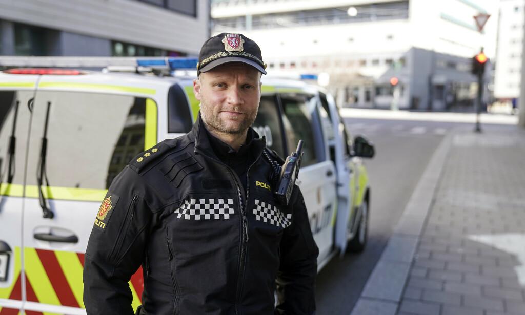BRUTALT: Anders Ween er politibetjent og vare for hovedtillitsvalg ved enhet sentrum. Han forteller om mer brutal vold på gata i Oslo og at kollegaene nå tar høyde for at det er våpen involvert når de går inn i konflikter. Foto: Øistein Norum Monsen / Dagbladet