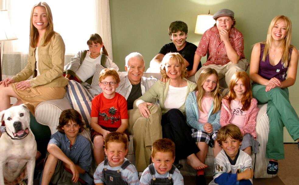 «DUSINET FULLT»: Det er 17 år siden disse skuespillerne var å se sammen i komedien fra 2003. Hva gjør de i dag? Foto: NTB Scanpix
