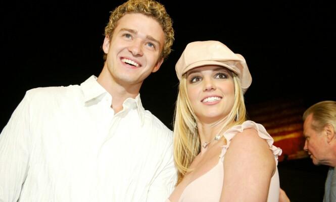 <strong>STJERNEPAR:</strong> Justin Timberlake og Britney Spears var et av Hollywoods heteste par. Så tok lykken brått slutt etter tre år. Her er duoen avbildet 2002. Foto: NTB Scanpix