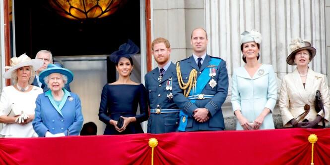 Med stikk til de unge kongelige