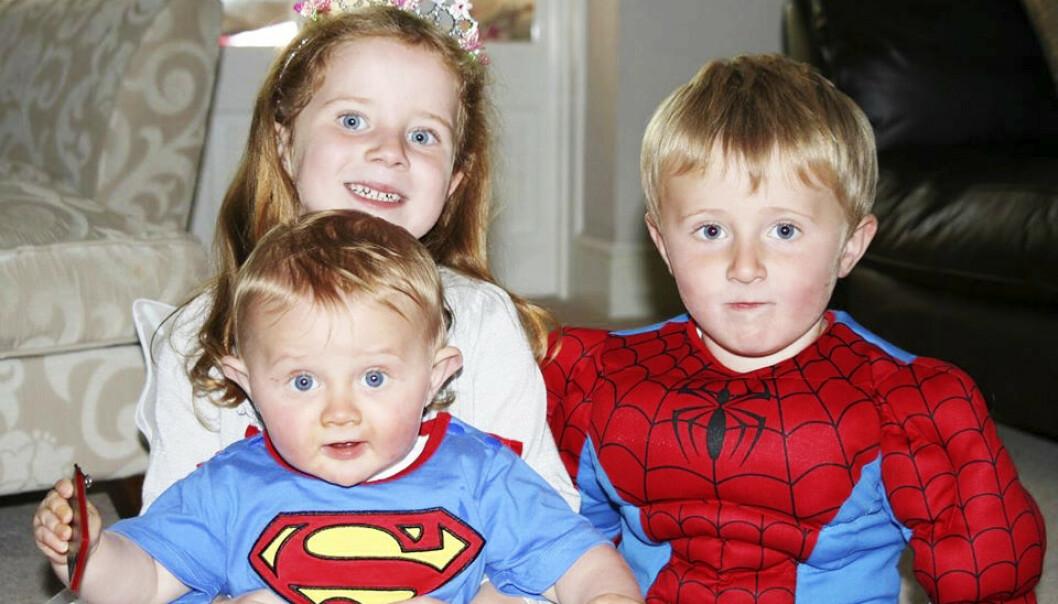 <strong>HERLIG TREKLØVER:</strong> George, Holly og Isaac var foreldrenes øyenstener. Foto: Privat