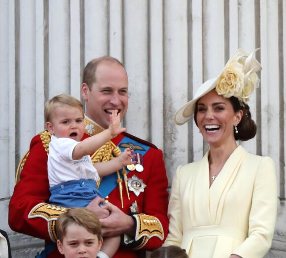 FAMILIE: Hertugfamilien av Cambridge på fem. Foto: NTB Scanpix