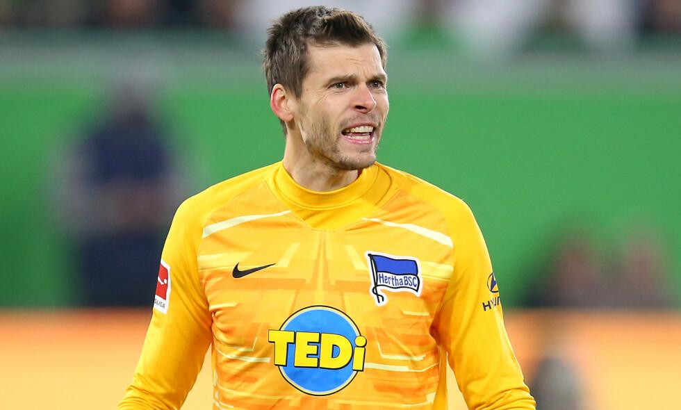 HOLDT NULLEN: Rune Almenning Jarstein fikk mye kritikk etter tabben mot RB Leipzig tidligere i uken, men slo tilbakle og holdt nullen hjemme mot Augsburg lørdag. Foto: Pixathlon/Shutterstock