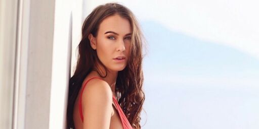 image: Veronicas (25) luksusliv verden rundt