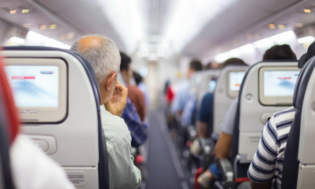DYRERE Å FLY? Coronakrisen kan føre til at flyreiser blir opp mot 50 prosent dyrere nå flytrafikken gjenopptas, tror luftfartsekspert. Men norsk ekspert påpeker at dette vil avhenge av veldig mange faktorer - og at prisene vil jevne seg ut til normale etter noe tid. Foto: Shutterstock/NTB scanpix