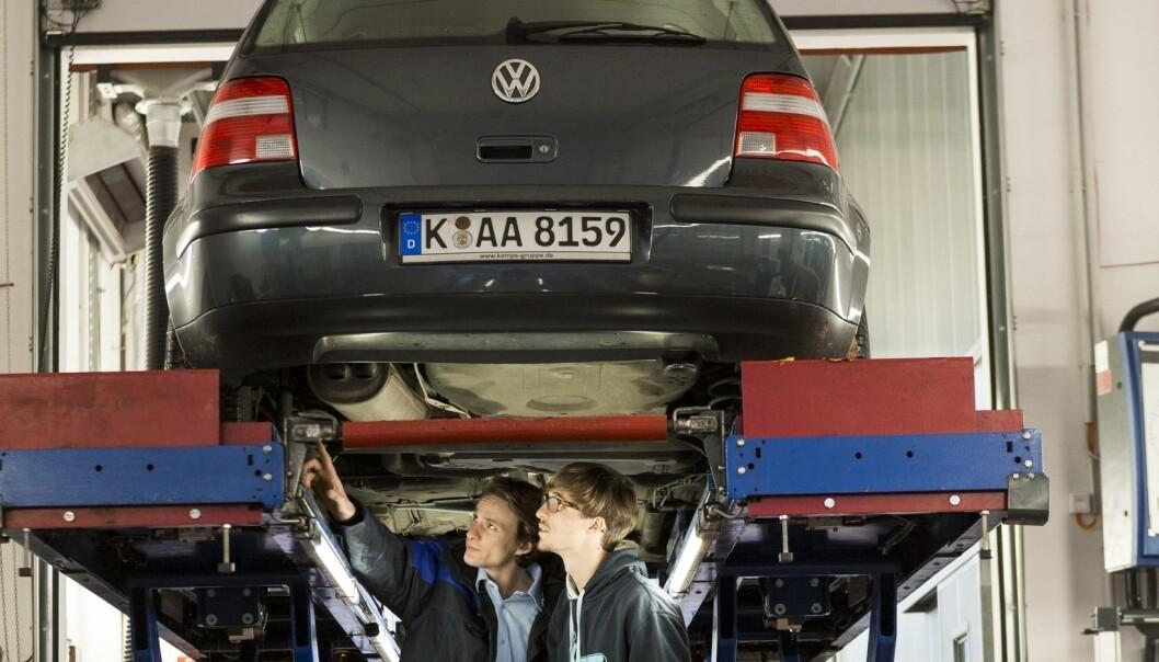 <strong>STOR TEST:</strong> Til grunn for undersøkelsen ligger tester av rundt ni millioner biler. Her avsløres de vanlige feilene du bør sjekke nøye før du kjøper bilen brukt. Foto TÜV