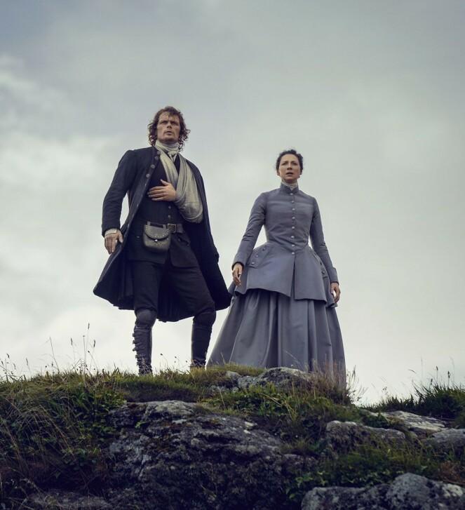 INTENS DRAMA: Sam Heughan og motspiller Caitriona Balfe i tredje sesong av «Outlander». Siden da har det kommet to sesonger til. FOTO: NTB Scanpix