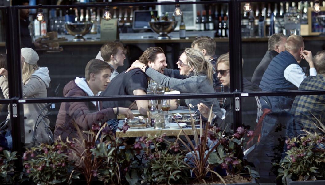 <strong>SIER JA TIL SEX:</strong> I Danmark er det ikke lov med samlinger med over ti personer, men det er lov for single å ha sex med andre. Foto: Erik Johansen / NTB Scanpix