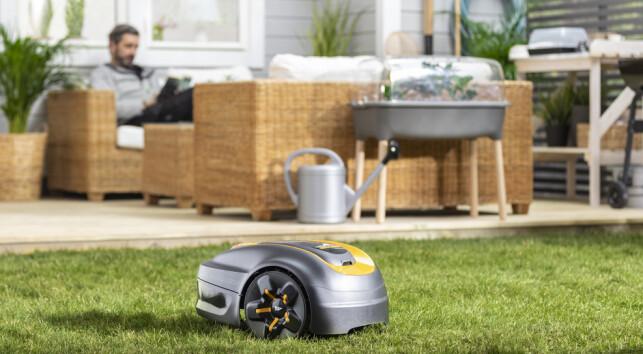 KLIPPER FOR DEG: En robotgressklipper passer for deg som vil gjøre andre ting enn å klippe gresset.