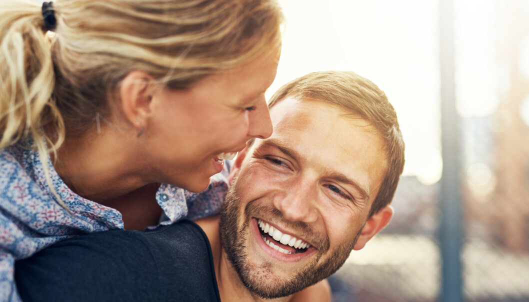 <strong>ALDER PÅVIRKER LYKKEFØLELSEN:</strong> En studie viser at det er to faser i livet vi mest lykkelige. FOTO: NTB Scanpix