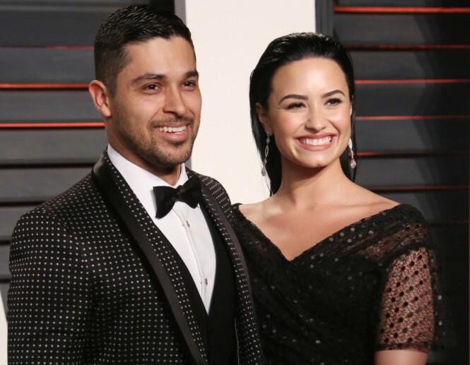 GAMLE DAGER: Wilmer og Demi på Vanity Fairs Oscar-fest i 2016. Tilsynelatende god stemning. Foto: NTB Scanpix