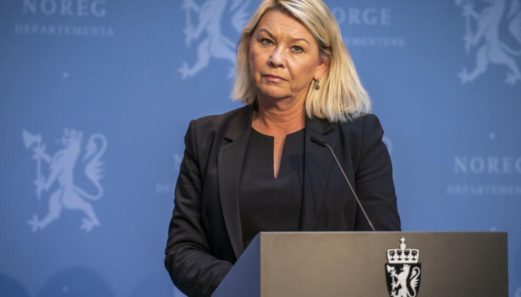 MÅ PÅ BANEN: Nå må justisminister Monica Mæland sørge for at Utlendingsmyndighetene gransker sine egne vedtak. Det er faktisk en menneskerettighet å gifte seg med hvem man vil. Foto: Heiko Junge / NTB scanpix
