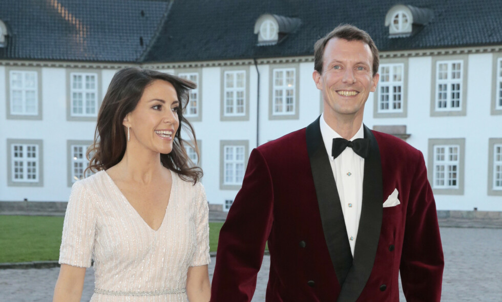 FLYTTER: Prins Joachim tar med seg kona og barna til sitt «andre hjem». Foto: NTB Scanpix
