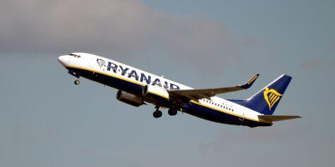 image: Nekter å fly med «idiotiske» regler