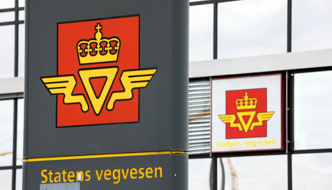TRYGGHET: Statens vegvesen må vente på klarsignal før de kan sette i gang med praktiske førerprøver. - Vi setter trygghet først, sier Henning Harsem i Vegvesenet. Foto: NTB scanpix.