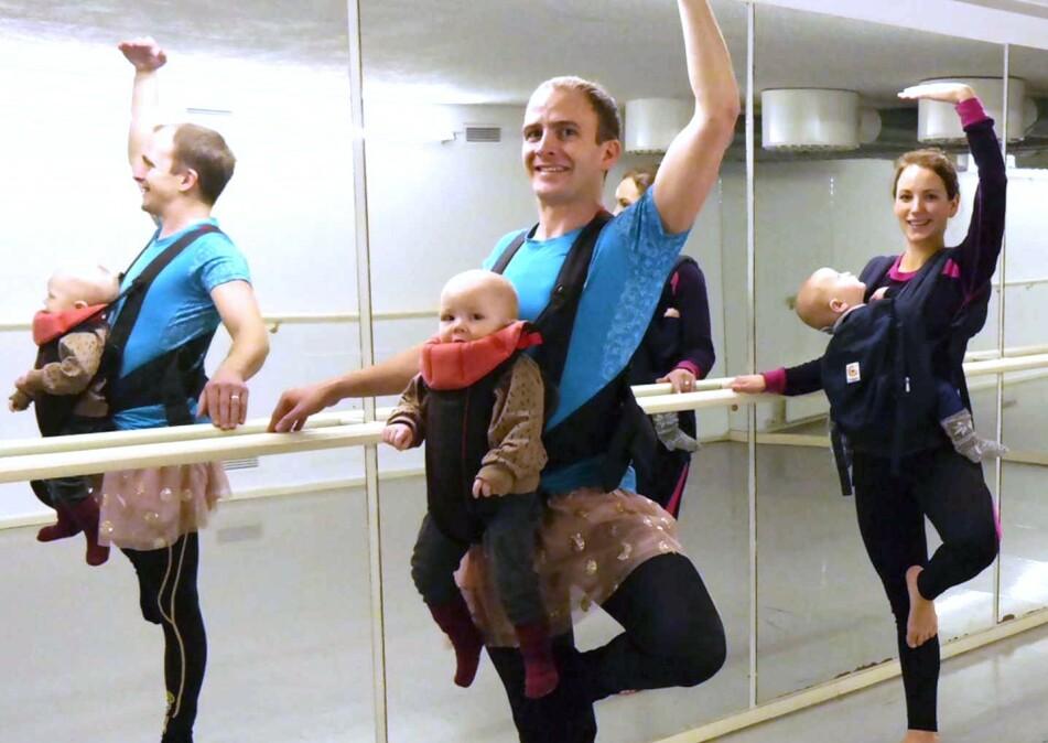 AKTIV PAPPAPERMISJON: Alt bør testes i permisjonen mener Ole Morten, her på bæresele-ballett. FOTO: Privat