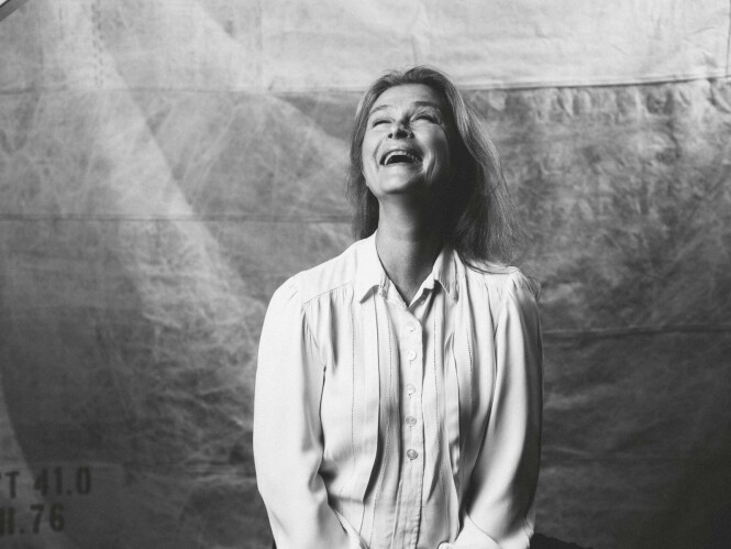 – Jeg var en ung, søt jente, og lærerne på gymnaset så på meg og sa: «Ja ja, hun kan sikkert bli flyvertinne», sier Lena. FOTO: Rickard L. Eriksson