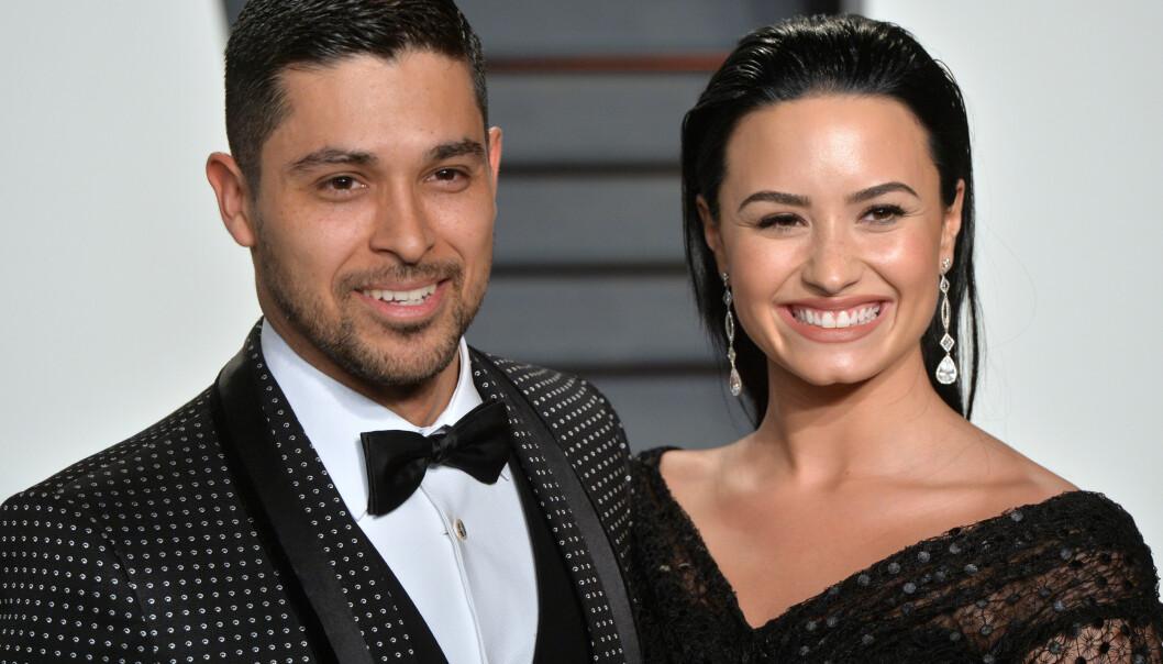 <strong>EKSKJÆRESTER:</strong> Etter bruddet beholdt Demi Lovato og Wilmer Valderrama vennskapet, og han besøkte henne på sykehuset etter innleggelsen i 2018. I dag er han forlovet med en annen kvinne, og ikke lenger i kontakt med Demi. Foto: NTB Scanpix