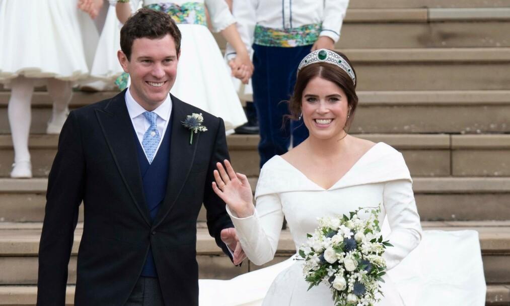 <strong>TI ÅR:</strong> Prinsesse Eugenie og ektemannen Jack Brooksbank feirer ti år som par. Her fra bryllupsdagen deres i oktober 2018. Foto: NTB Scanpix