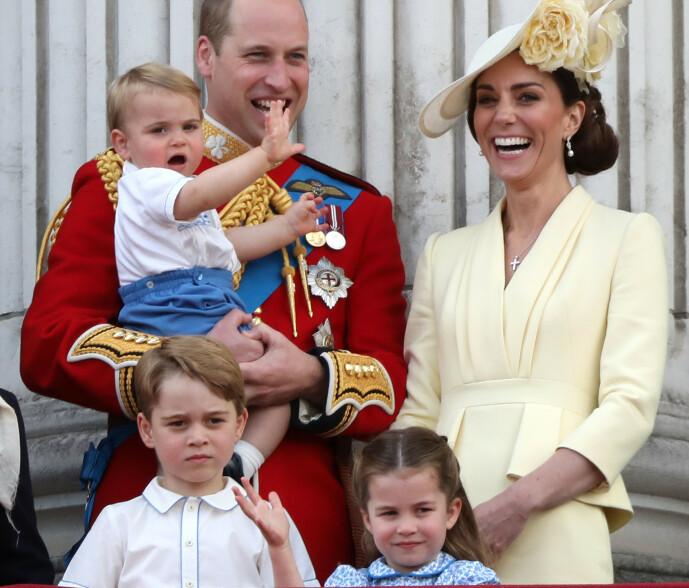 HERTUGFAMILIEN: Her er hertugfamilien på fem avbildet under et arrangement i London i 2019. Foto: NTB Scanpix
