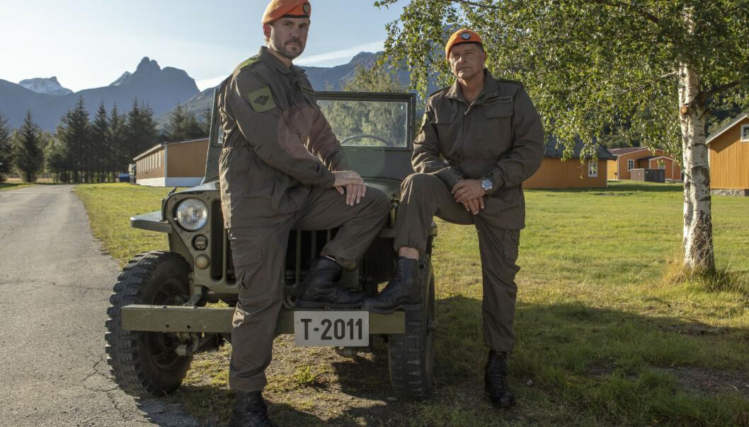 <strong>FLERE SKADER:</strong> Duoen Kristian Ødegaard og Dag Otto Lauritzen leder 14 kjendiser gjennom beinharde øvelser i «Kompani Lauritzen». Det har kostet mye for mange. Foto: TV 2
