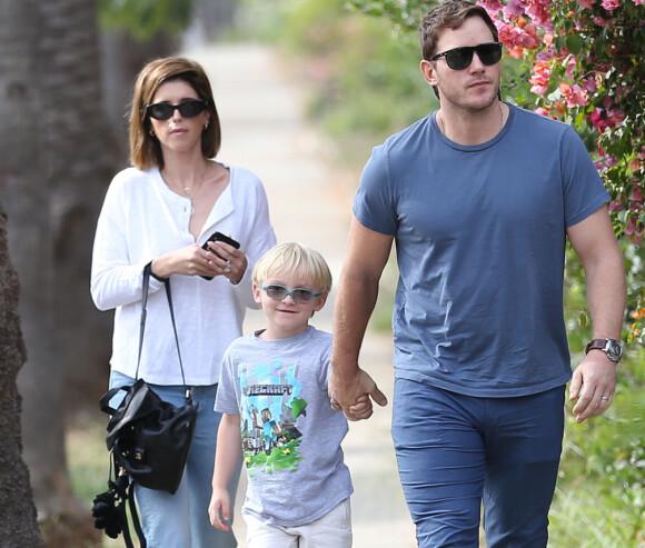 <strong>STOREBROR:</strong> Chris Pratt og ekskona Anna Faris har sønnen Jack (7) sammen. Nå har Jack blitt storebror. Her er han sammen med faren og hans ny kone, Katherine Schwarzenegger. Foto: NTB Scanpix
