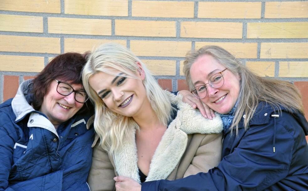 Tre generasjoner kvinner: Mormor Katja, Adriana og mamma Elise. Foto: Per-Ola Ohlsson