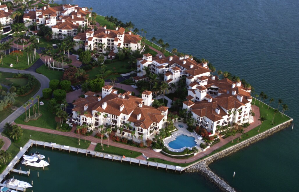 <strong>LUKSUSØY:</strong> Fisher Island utenfor Miami i Florida huser et stort antall luksusleiligheter. Foto: Frank Siteman / REX / NTB Scanpix