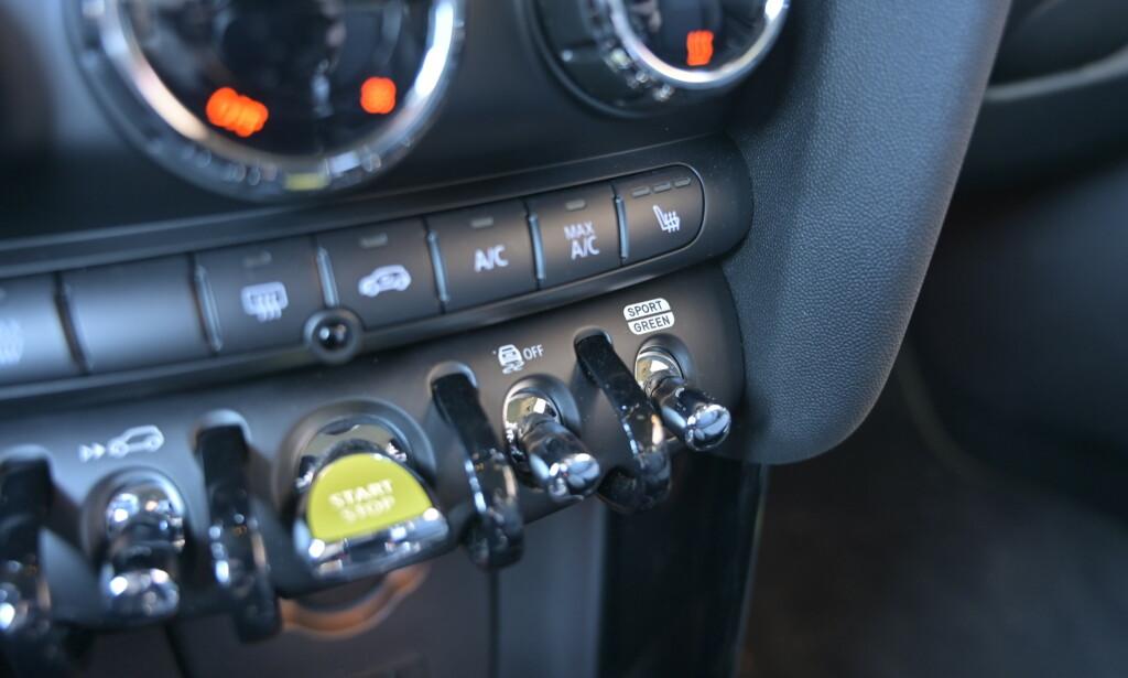 VIPP: Ved siden av den pulserende startknappen finner du knappen for regenerering, enten lite eller mye. Lengst til høyre velger du kjøreprogram. Foto: Rune M. Nesheim
