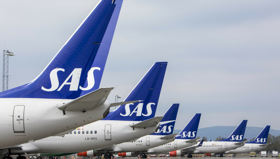 <strong>HARDT RAMMET:</strong> Coronakrisa rammer flytrafikken brutalt. SAS må nær halvere staben, varser selskapet tirsdag morgen. Foto: NTB scanpix
