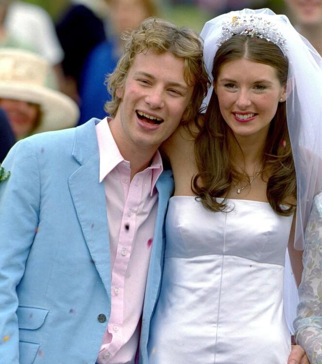 GODT GIFT: Jamie og Jools Oliver giftet seg i 2000, og har i dag fem barn. FOTO: NTB Scanpix