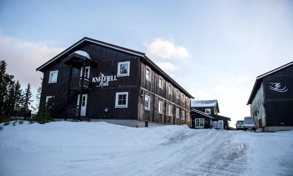 HAGENS HOTELL: Tom Hagens selskap hadde Kvitfjell Hotel ferdig til OL i 1994. Den norske alpintroppen bodde i huset til høyre. Foto: Øistein Norum Monsen/Dagbladet.