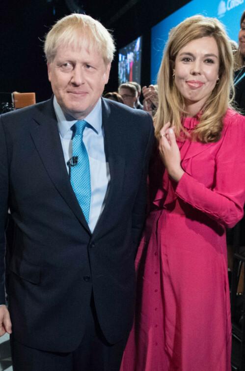 <strong>NYFØDT GUTT:</strong> Boris Johnson og Carrie Symonds kunne onsdag meddele at de har blitt foreldre. Foto: NTB Scanpix