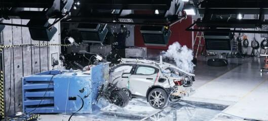 Nå kommer Polestar med bilkrasj-basseng: - Livsfarlig uten