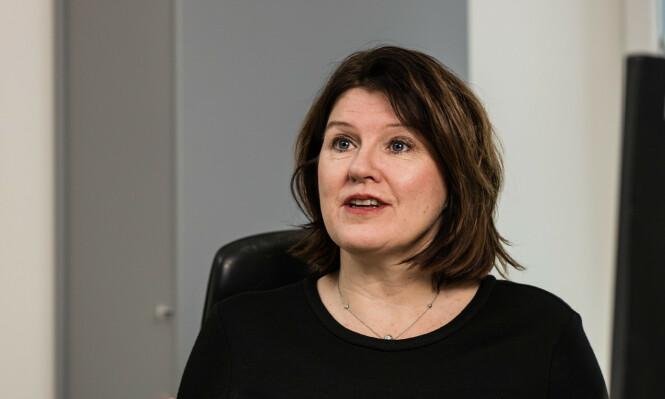 ALARM: Akademikerne-leder Kari Sollien blir skremt over det massive antall permitterte. Hun vil ha flere over på en ordning med lønnstilskudd, inspirtert av dansk modell. Foto: Akademikerne