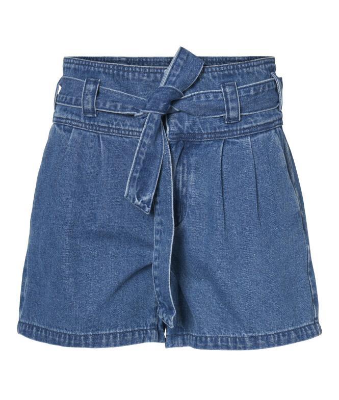Shorts  med belte (kr 350,  Vero Moda).