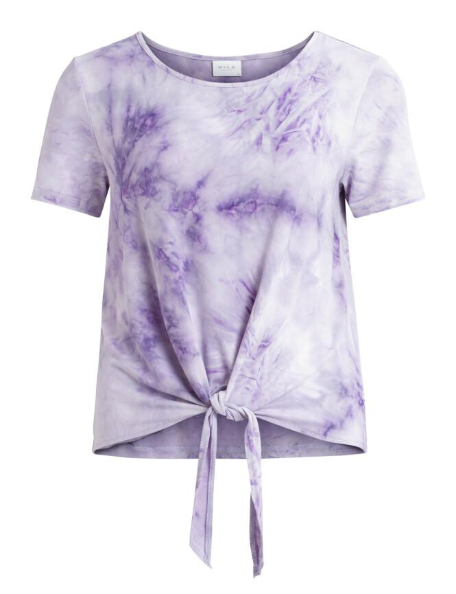 Batikkmønstrete T-skjorte (kr 250, Vila).