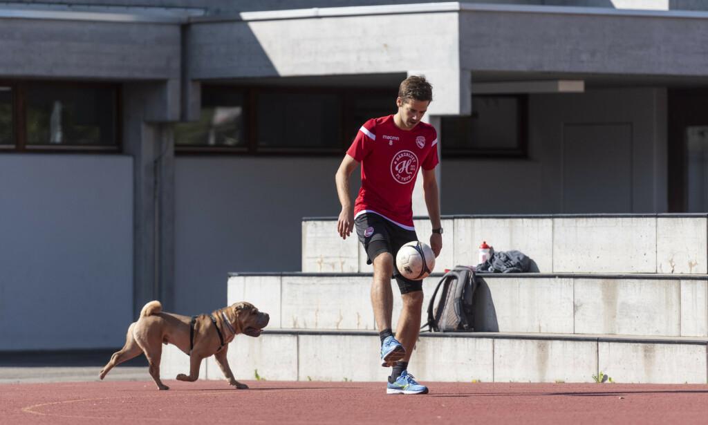 GRØNT LYS: I juni kan Gregory Greg Karlen fra klubben Thun spille fotballkamper igjen. Foto: Alessandro della Valle / AP / NTB scanpix.