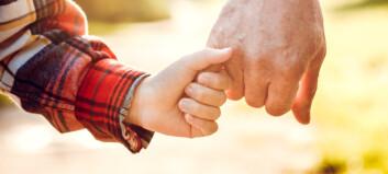 FHI løsner på corona-rådene til besteforeldre