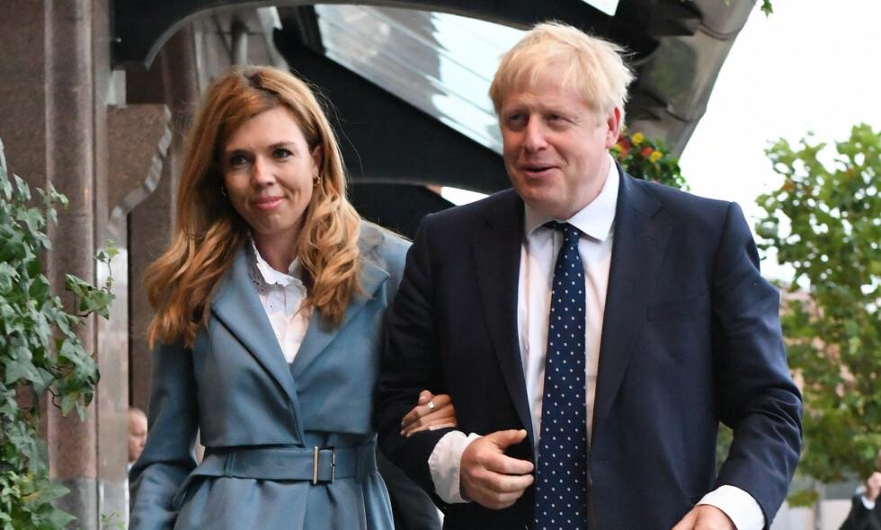 AVSLØRER NAVNET: I et innlegg på Instagram deler Carrie Symonds hva hun og Boris Johnsons nyfødte sønn skal hete, og det viser seg at navnet har en helt spesiell betydning for dem. Foto: NTB Scanpix
