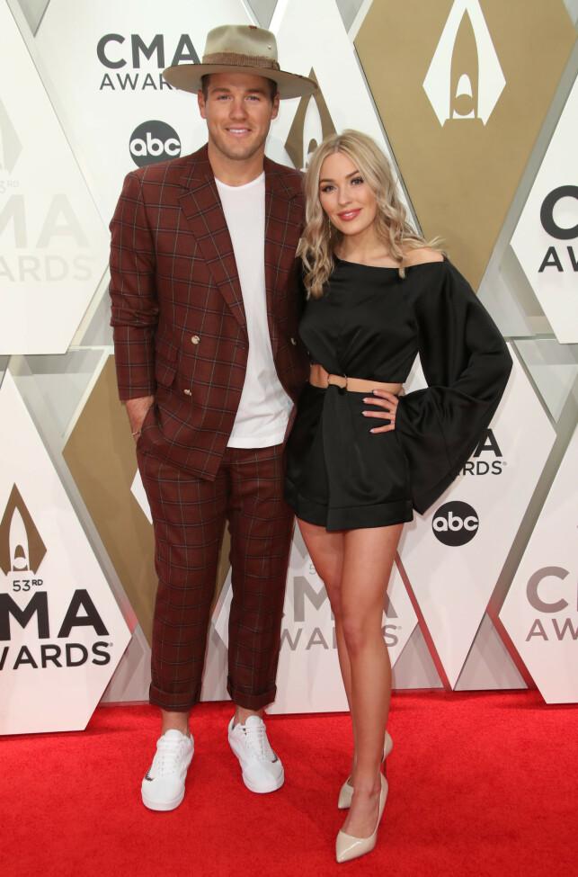 SAMMEN: Colton Underwood ga opp hele tv-innspillingen for å kjempe for Cassie Randolph. I dag er de kjærester. Her avbildet på Country Music Awards i fjor. Foto: NTB scanpix