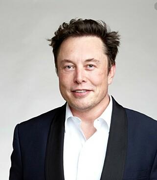 KAN SVØMME: I en tweet til en kunde, skriver Musk at Cybertruc skal kunne flyte ... i hvert fall en stund. Foto: Tesla